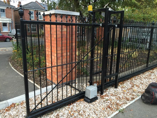Electronic Automatic Gates Murcia, Orihuela Costa and Costa Blanca